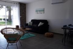 gite-4-personnes-salon-terrasse
